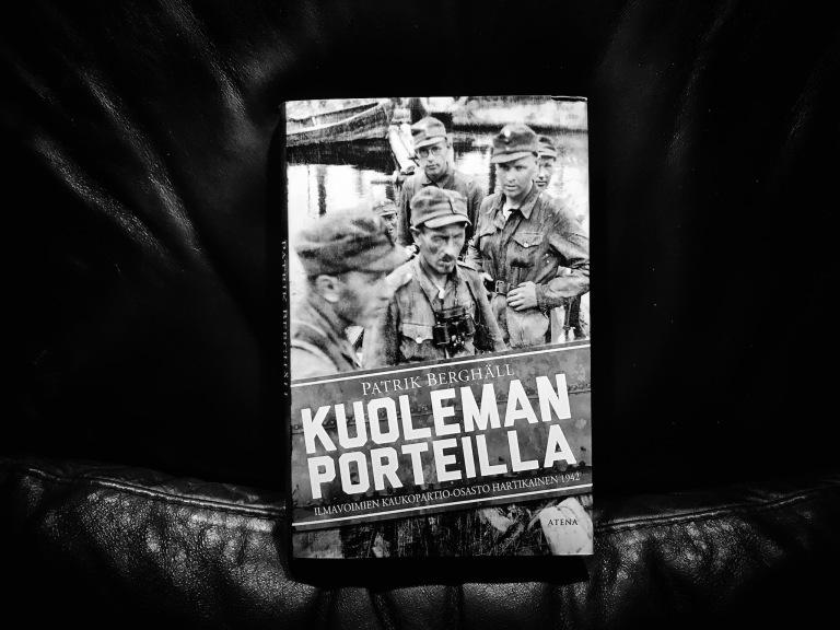 kuoleman_porteilla_small